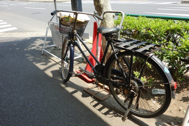 fruits delivery bike
