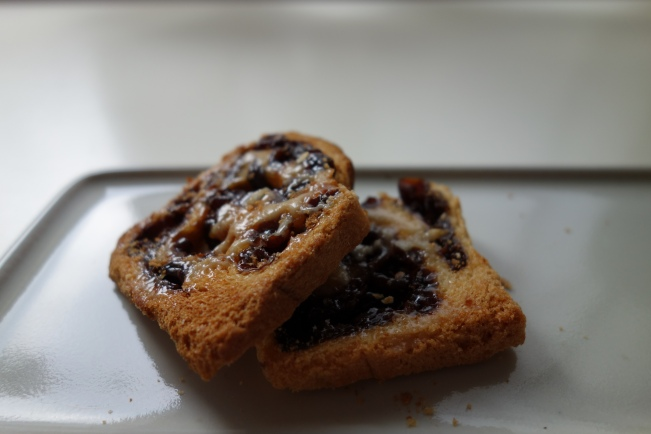 Raisin rusks
