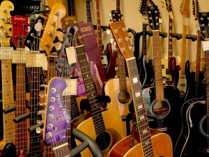 pawn guitars