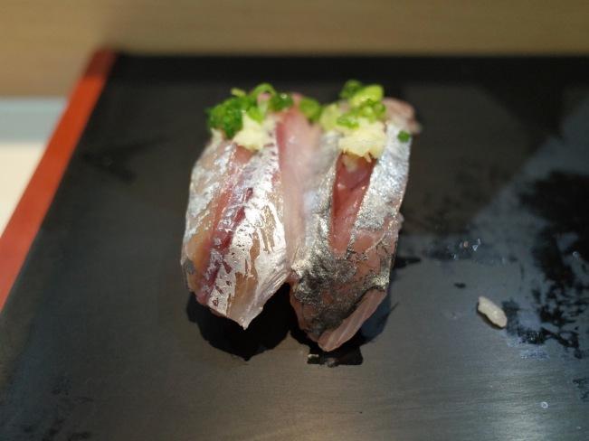 sushi-hinatomaru-aji