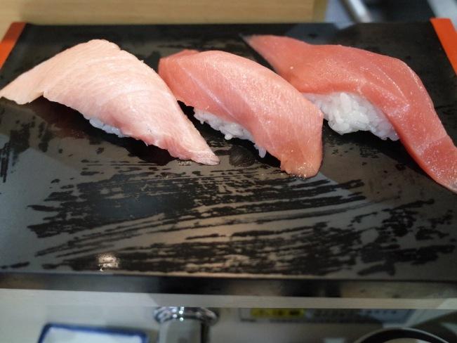 sushi-hinatomaru-maguro